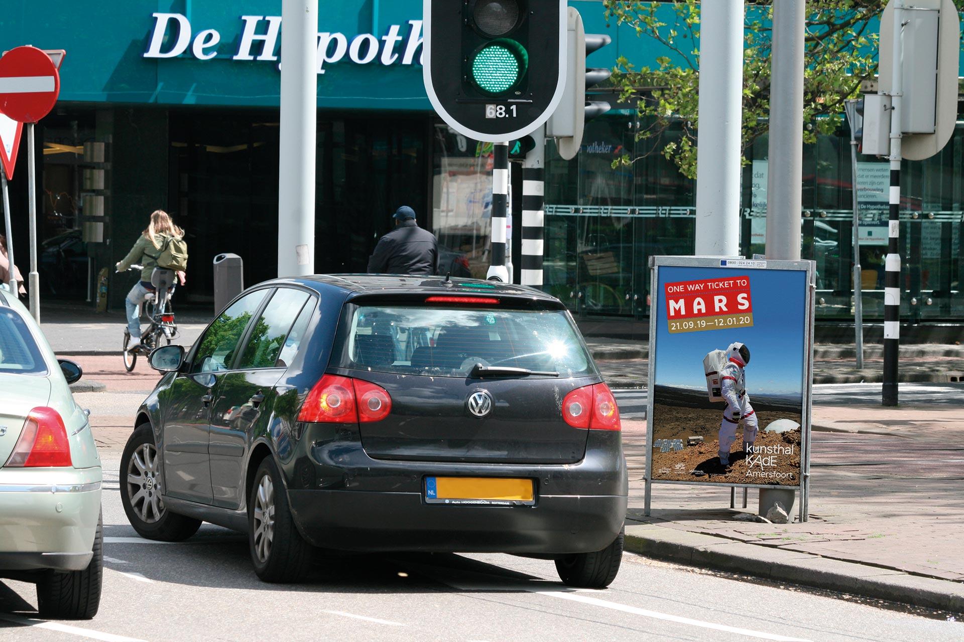 driehoeksborden reclameborden langs de weg