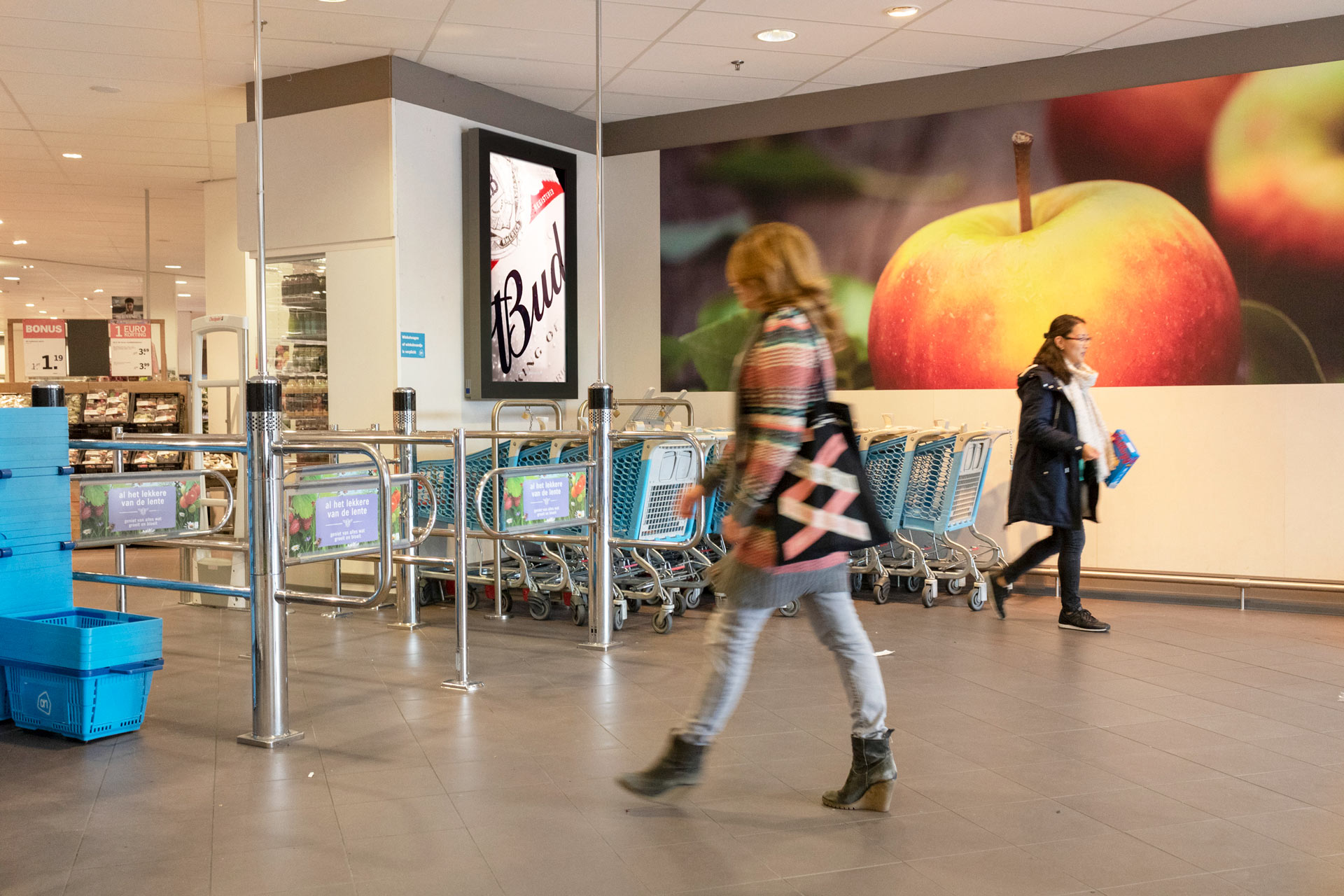 waterlandplein amsterdam supermarkt screen digitale buitenreclame